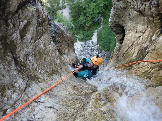 Canyoning no desfiladeiro da Fratarica de Bovec