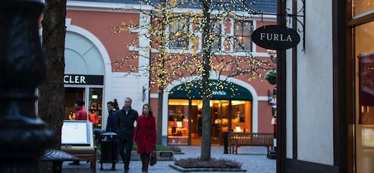 Shopping at Roermond Design Outlet with private transportation from Amsterdam