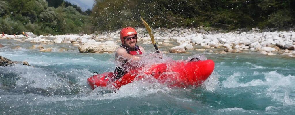 Curso de caiaque de águas bravas no rio Soca de Bovec