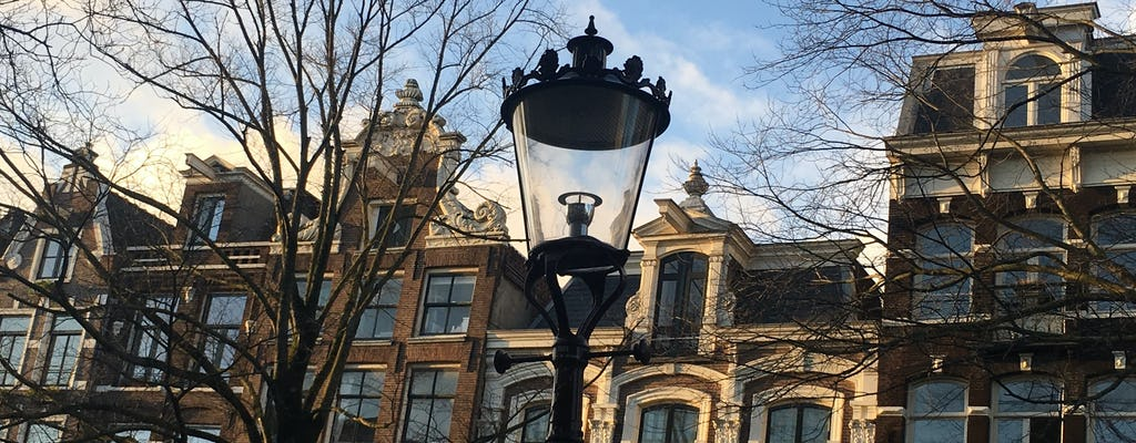 Passeio de bicicleta pela arquitetura em Amsterdã