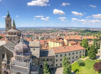 Private walking tour of upper town Bergamo