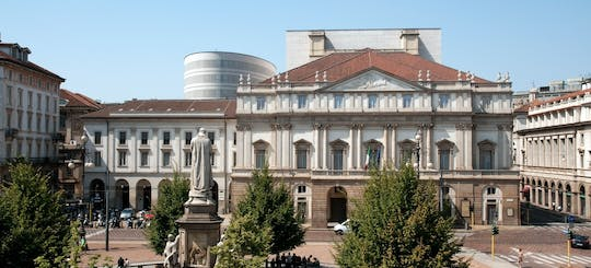Exclusive guided tour of Milan with La Scala, Duomo Square and the Galleria