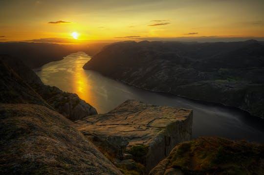 Caminhada guiada ao nascer do sol até Pulpit Rock Preikestolen