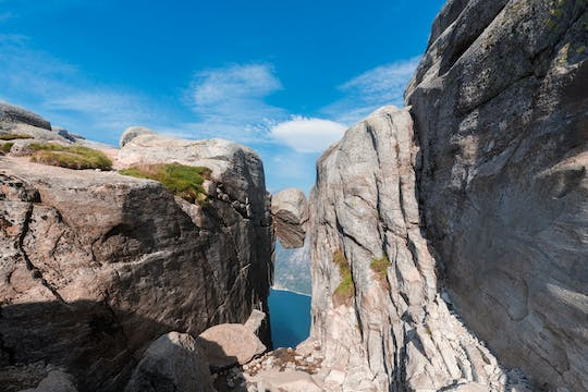 Guided hike to Kjerag and Kjeragbolten