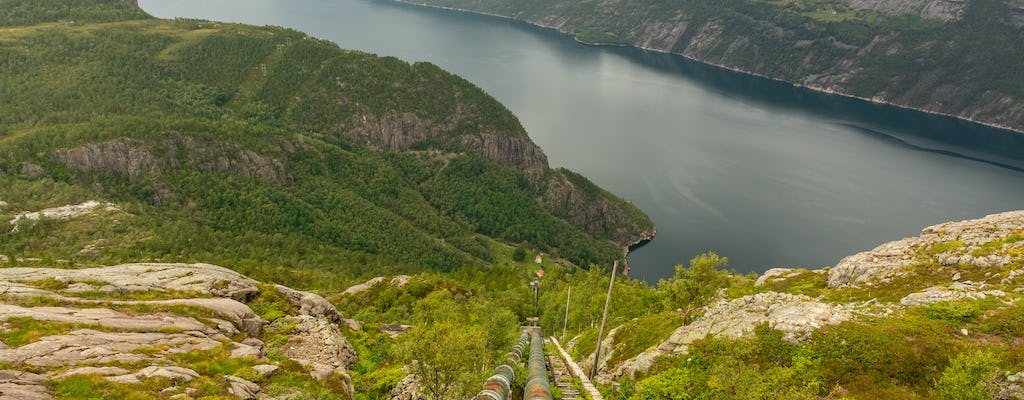 Guided hike to Flørli with 4,444 steps