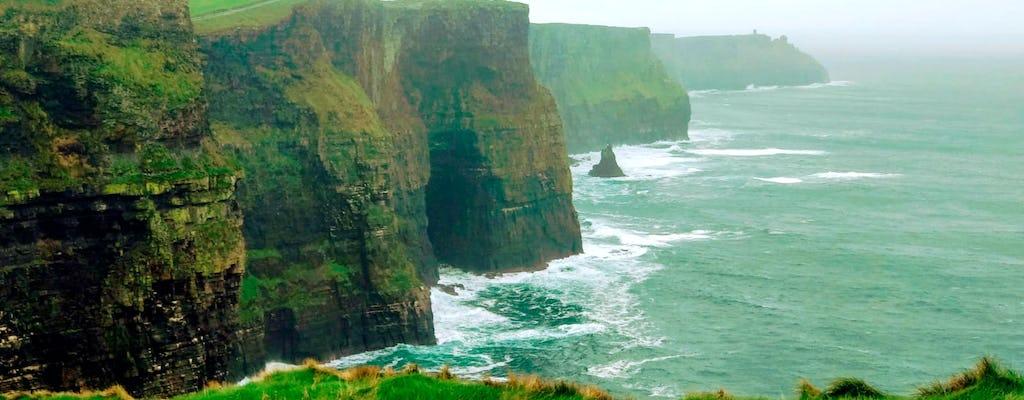 Excursão italiana aos penhascos de Moher e Galway