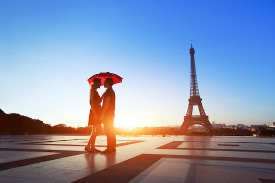 Romantic night tour of Paris for two with cruise and dinner