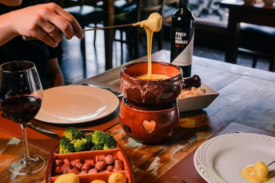 Swiss night in Gramado with fondue dinner