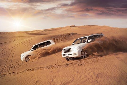 Safári de Doha com dunas, passeio de camelo e sandboard