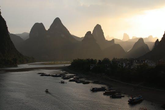 Cruzeiro de dia inteiro pelo rio Li
