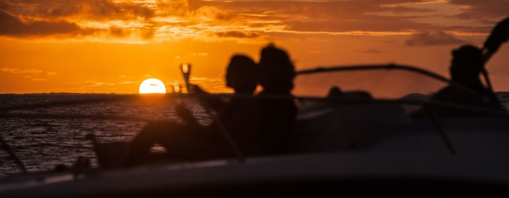 Cruzeiro privado ao pôr do sol de Bora Bora