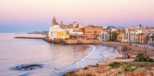 Excursion d'une journée à Sitges et Gérone au départ de Barcelone