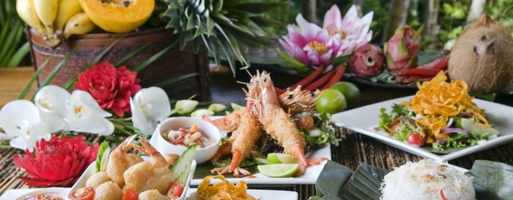 Private morning cruise and motu lunch in Bora Bora