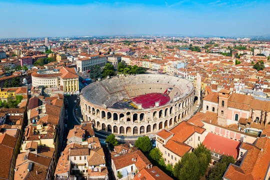 Full-day private tour of Verona
