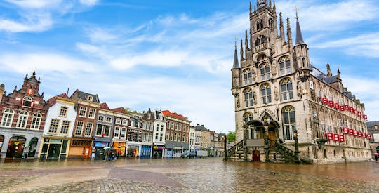 Walk and explore Gouda with a self-guided city trail