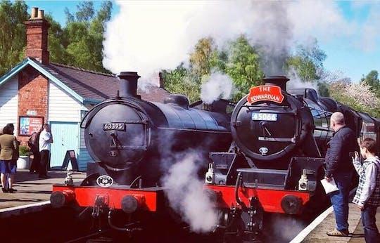 Excursão ferroviária a vapor em Moors, Whitby e North Yorkshire