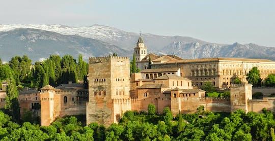 Visita guiada a la Alhambra, el Generalife y los Palacios Nazaríes