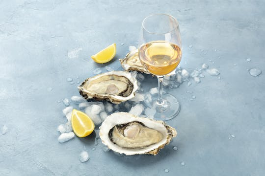 Oyster and wine tasting tour for small groups
