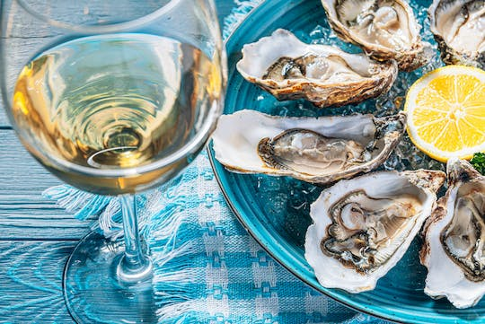 Private oyster and wine tasting tour