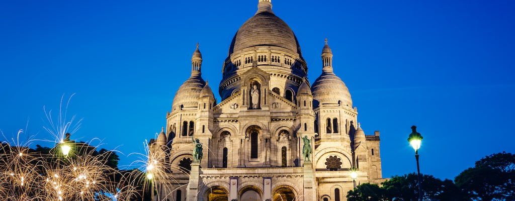 Guided tour of Montmartre with dinner and traditional cabaret