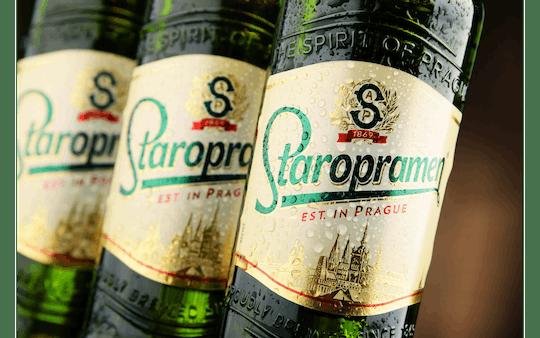 Visita a la cervecería Staropramen con cena en Praga