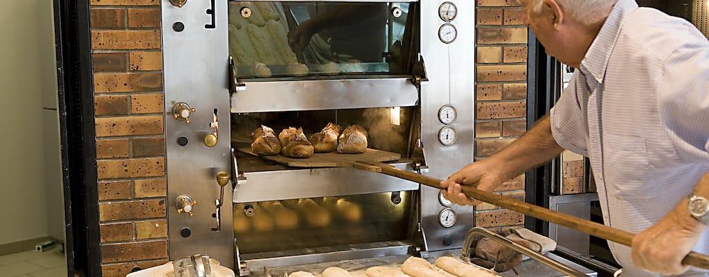 Clase de repostería en una panadería tradicional francesa