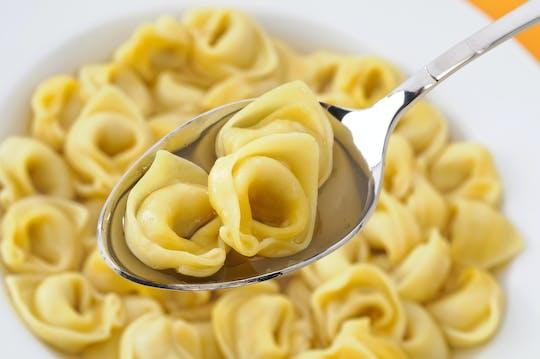Clase magistral en línea sobre tortellini, caldo y salsa parmesana