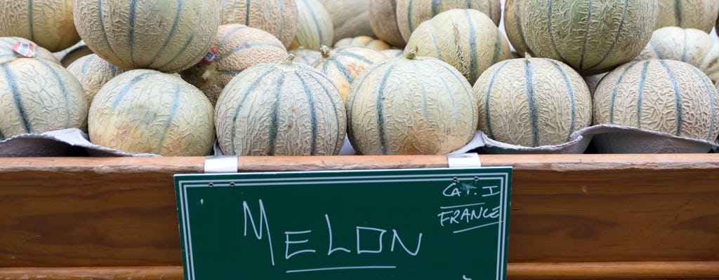 Food tour of the Marché d'Aligre in Paris