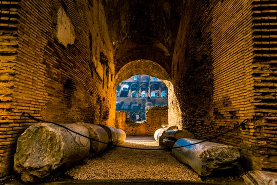 Roman Forum and Colosseum tour with undergrounds and arena floor