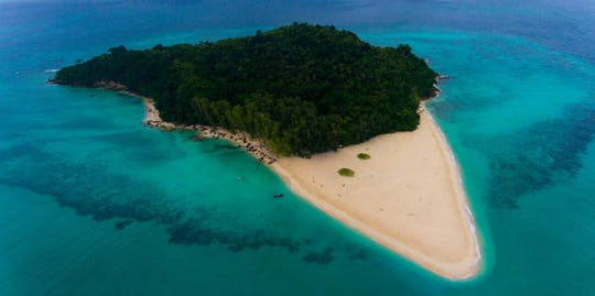 Excursión al amanecer en la isla Phi Phi