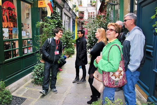 Walking tour of the highlights and secret sides of Paris