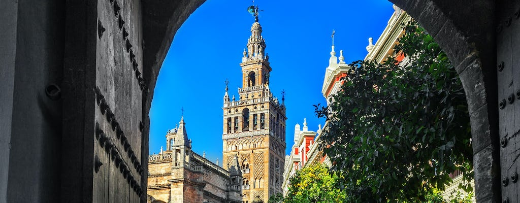 Walking tour discovering the perfumes of Seville