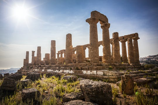Private tour of the Valley of the Temples and Kolymbethra in Sicily