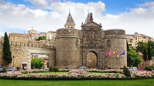 Toledo full-day tour and zipline ticket
