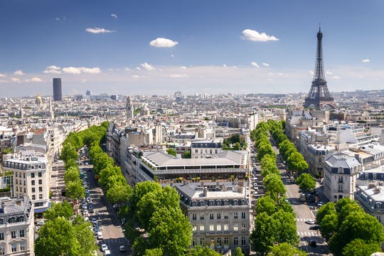 Private tour of the Champs-Élysées neighborhood