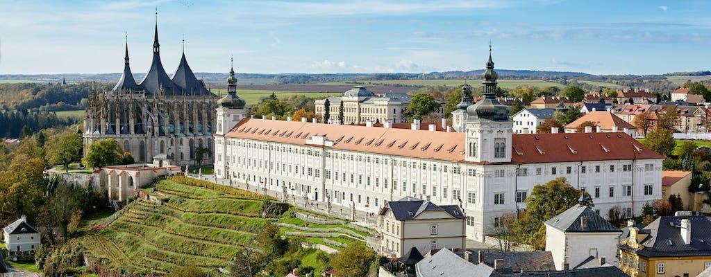 Excursión de un día a lo mejor de Kutna Hora y osario Sedlec desde Praga