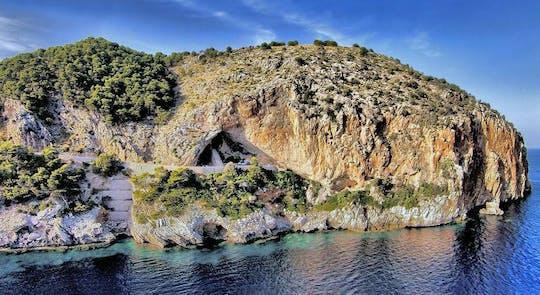 Entree Grotten van Arta