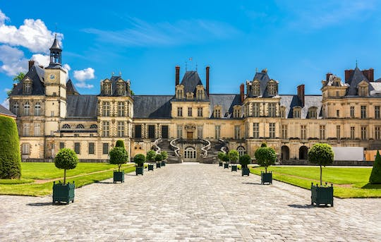 Private day trip to Vaux-le-Vicomte and Fontainebleau from Paris