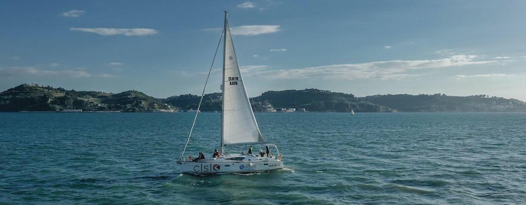 Tour privato in barca sul fiume Tago