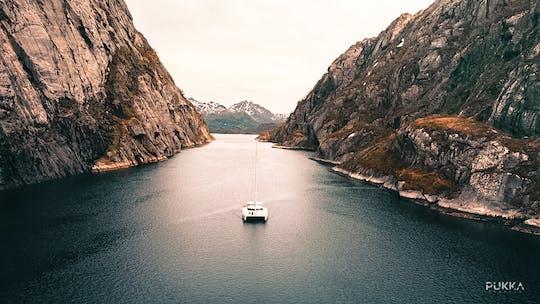 Privates Fjordsegeln auf den Lofoten