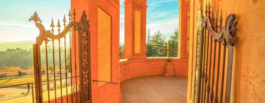 Visita guiada al santuario de San Luca y recorrido turístico en tren panorámico.