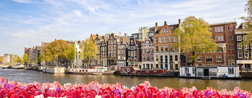 Private boat rental and cruise on Amsterdam canals