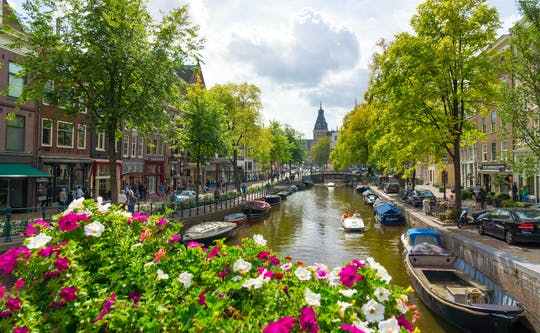 Passeio privado de barco pelo canal de Amsterdã