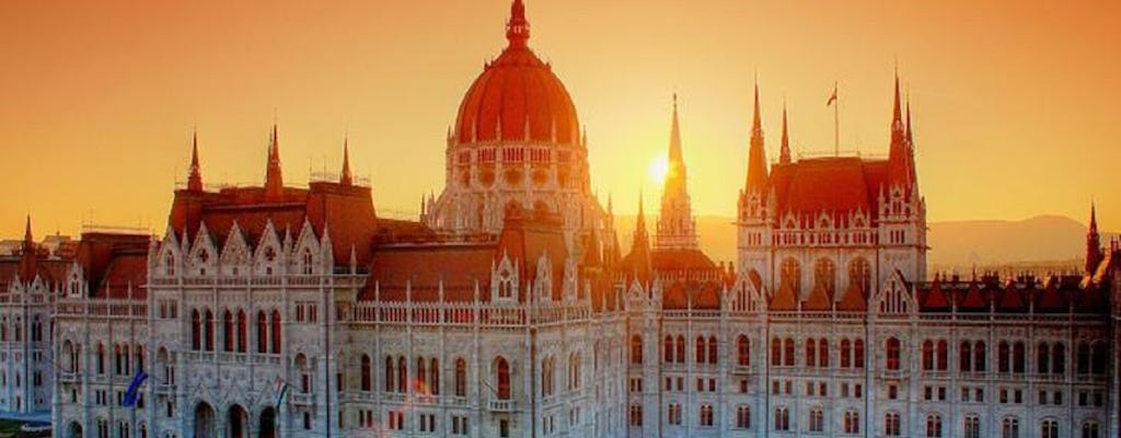 Visit of the Hungarian parliament in Budapest and city sightseeing tour