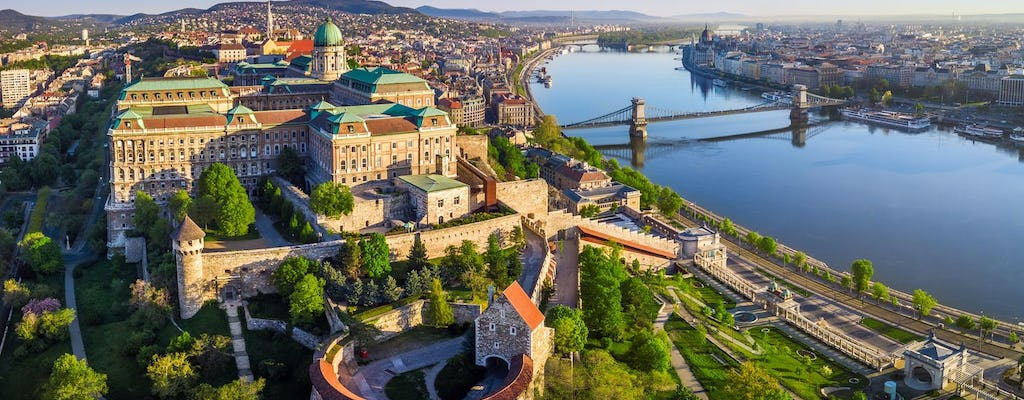 Half-day sightseeing city tour in Budapest