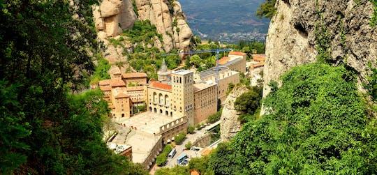 Poranna wycieczka z przewodnikiem po opactwie w Montserrat