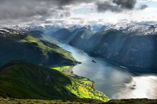 Private tour to Sognefjord, Gudvangen, and Flåm from Bergen