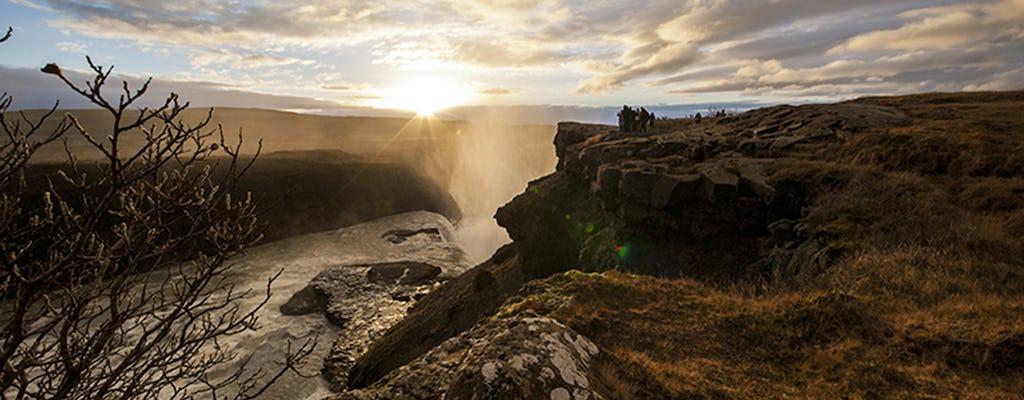 Small group Golden Circle tour with Kerið crater and Friðheimar farm