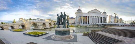 Tour a pie neoclásico de Skopje