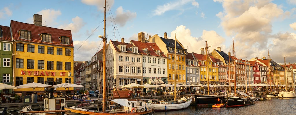 Discover the famous landmarks of Copenhagen in a private photography tour
